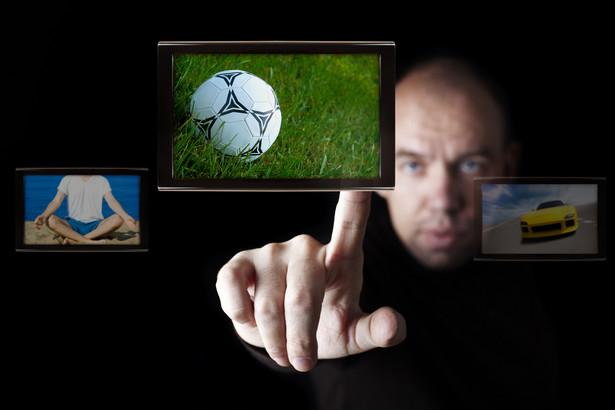 Nadawcy i wydawcy próbują w ten sposób wzmacniać pozycję na rynku internetowego wideo