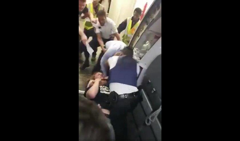 Brutalna bójka w samolocie EasyJet