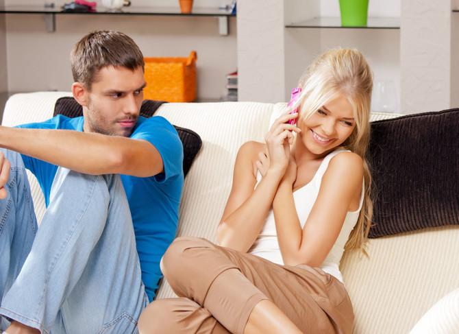 Ako je posesivan, ljubomoran i pokušava da vas kontroliše, vreme je da ozbiljno popričate