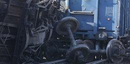 Pociąg towarowy wypadł z torów