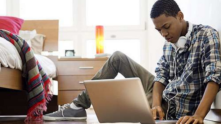 5 ways to make money online as a student. [withinnigeria]