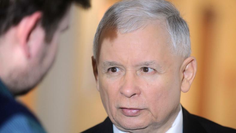 Jarosław Kaczyński odkrywa karty. 88 proc. wróci do kraju?