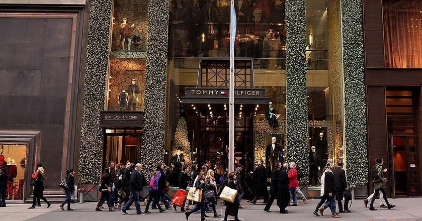 Na Piątej Alei w Nowym Jorku znajdują się sklepy największych i najdroższych marek świata