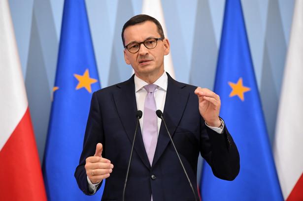 Prezes Rady Ministrów Mateusz Morawiecki podczas konferencji