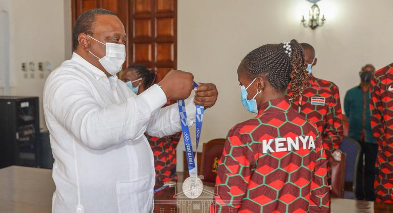 President Uhuru Kenyatta on Monday August 16, received representatives of the triumphant Kenyan contingent to the 2020 Tokyo Olympics at State House