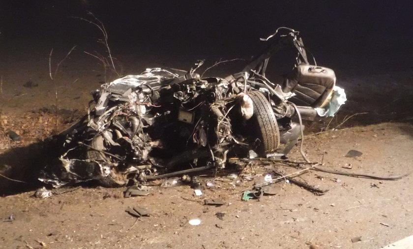 Audi A6 po zderzeniu z tirem