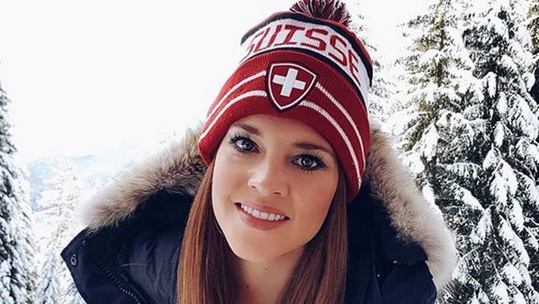 Kilka lat temu piękna hokeistka zarejestrowała się na jednym z portali randkowych, co wzbudziło nie lada sensację w szwajcarskich mediach.