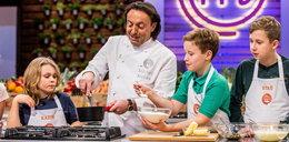 """Młodzi kucharze """"MasterChefa Juniora"""" w ogniu pytań. Jak wypadną w kulinarnym quizie? WIDEO"""