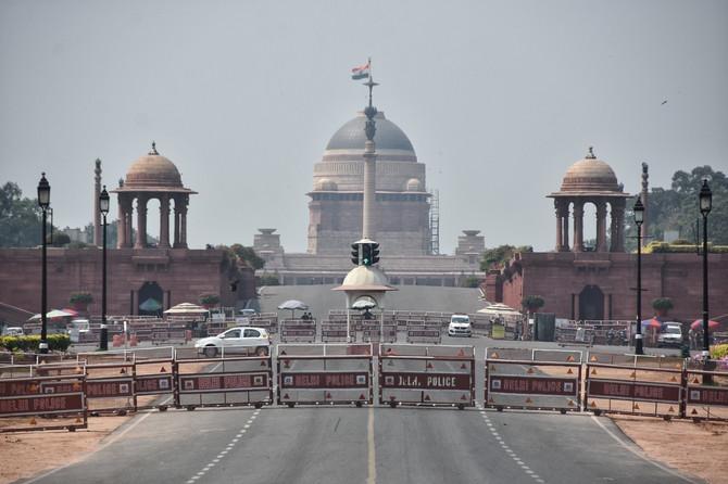 Indija je pre nekoliko dana zatvorila Tadž Mahal i ostale kulturno-istorijske spomenike zbog pandemije korona virusa