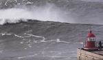 OBOREN SVETSKI REKORD? Surfer savladao džinovski talas visok 35 METARA (VIDEO)
