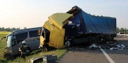 Wypadek polskiego autokaru na Węgrzech. Zdjęcia pokazują siłę uderzenia