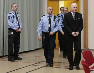Breivik kontra Norwegia: Pierwszy dzień procesu za 'nieludzkie traktowanie'