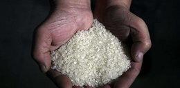 Uważaj na podrobiony ryż. Zawiera plastik?