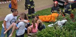 Balkon runął z dziećmi. Sześcioro nastolatków rannych