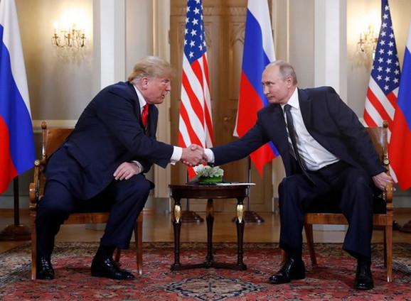 Rukovanje Trampa i Putina