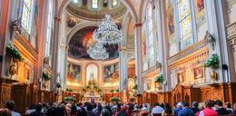 """Ksiądz do wiernych: """"jeśli założycie maseczki, wyrzucę was z kościoła"""""""