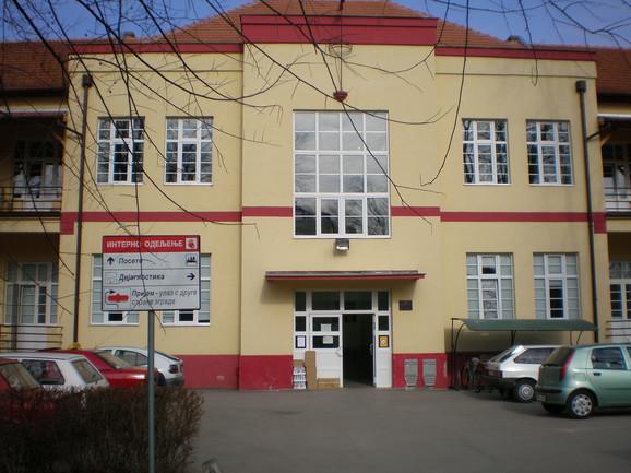 Opšta bolnica u Somboru pokriva područje na kojem živi više od 200.000 stanovnika