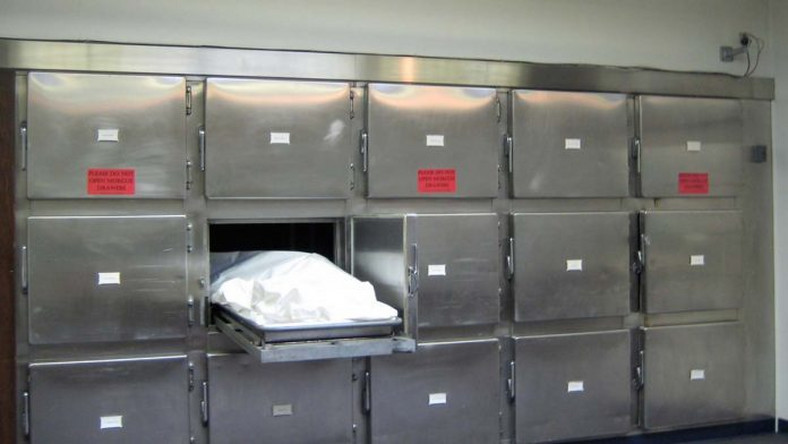 Mortuary attendants steal dead woman's wrists and heart
