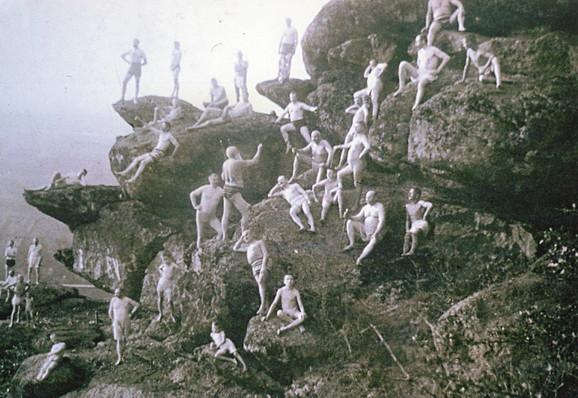 """Riklijaneri su tretman počinjali tako što su pre svitanja u kupaćim gaćama izlazili na greben, da """"upijaju"""" prve zrake jutarnjeg sunca i udišu jutarnji vazduh"""