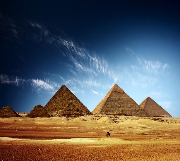 Egipskie siły bezpieczeństwa prowadziły akcję przeciwko dżihadystom, którzy na pustyni, mają swoje kryjówki