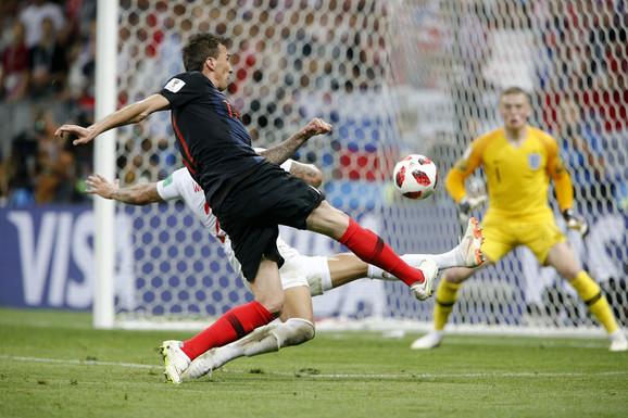 Trenutak kada Mandžukić postiže odlučujući gol