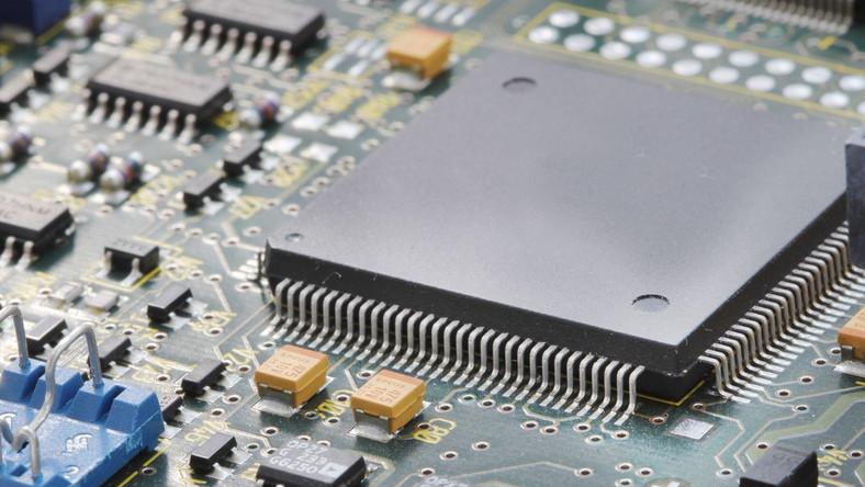 AMD wycofuje się z świętej wojny z Intelem