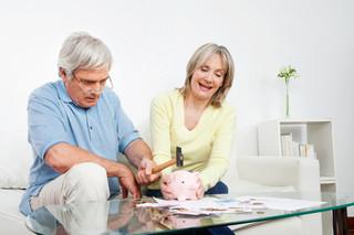 Co się wlicza do stażu emerytalnego. Czy można doliczyć kuroniówkę i składki KRUS?
