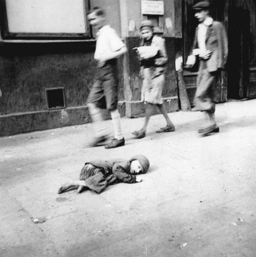 Straszne zdjęcie z getta