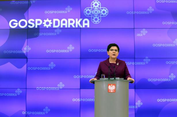 Premier Beata Szydło podczas konferencji prasowej w KPRM
