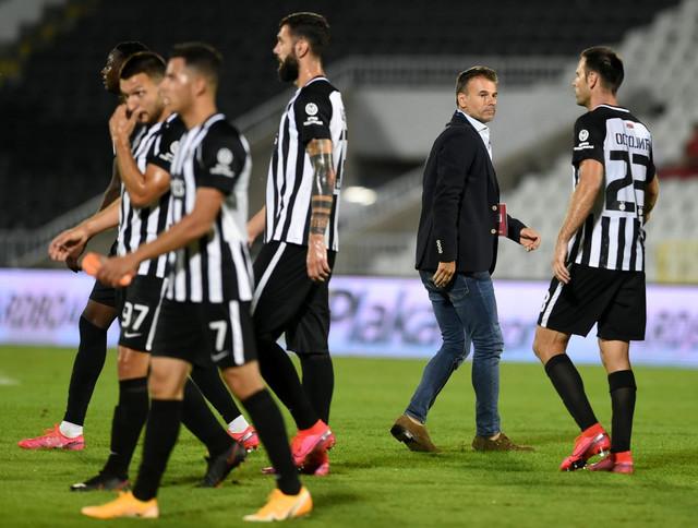 Aleksandar Stanojević i fudbaleri Partizana