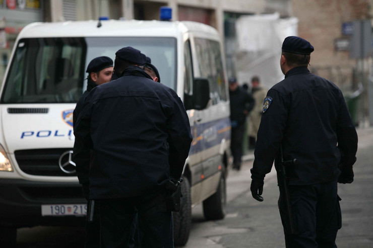 245742_policija-foto-blic