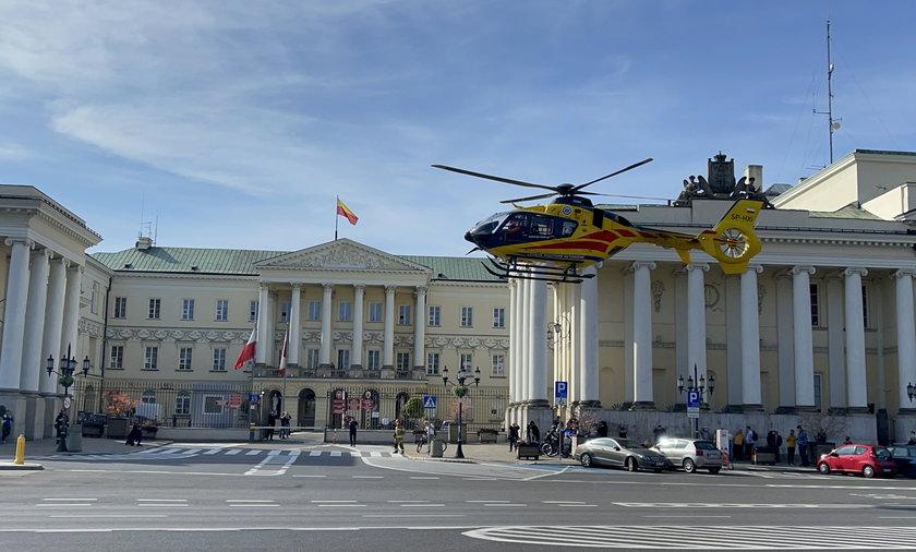 Śmigłowiec LPR na placu Bankowym w Warszawie
