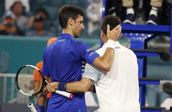 Novak Đoković i Roberto Bautista Agut posle meča 4. kola u Majamiju