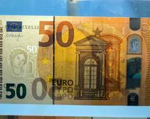 Euro do dolara zyskuje