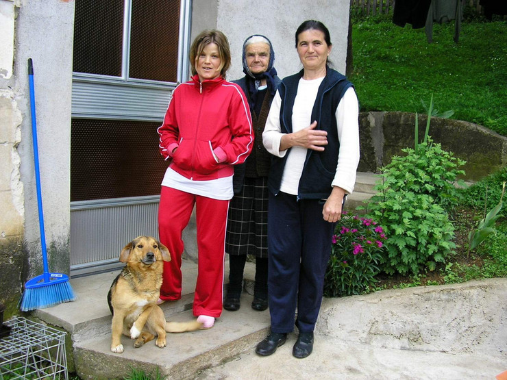 41140_verica--verica-sa-majkom-i-babom-foto-jugoslav-trijic