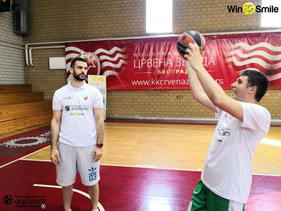 Članovi Specijalne olimpijade Srbije upijali su savete od Branka Lazića