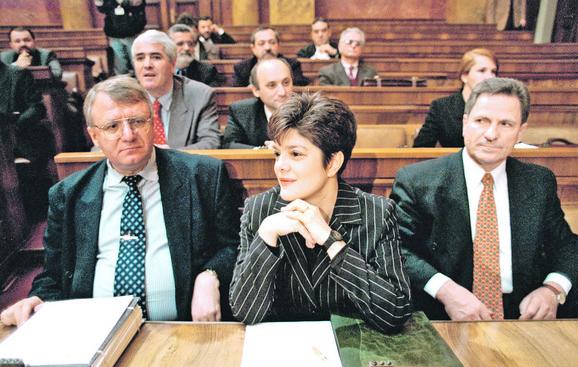 U vreme radikalskih dana Vojislav Šešelj i Maja Gojković bili su bliski saradnici, a i tada su se odlikovali napadom na neistomišljenike