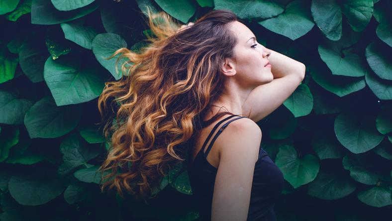 Proste maseczki na piękne, lśniące włosy - zrobisz je sama!