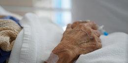 Nie żyje kobieta, która urodziła w wieku 63 lat. Słowa jej córeczki rozdzierają serce