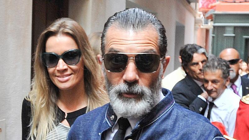 Antonio Banderas z dziewczyną w Maladze