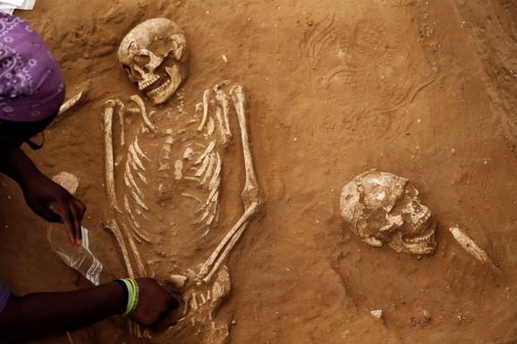 Arheološka iskopavanja na nalazištu prvog filistejskog groblja u Nacionalnom parku Aškelon, na jugu Izraela