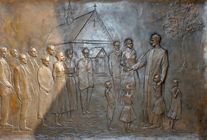 Drzwi papieskie w Niegowici