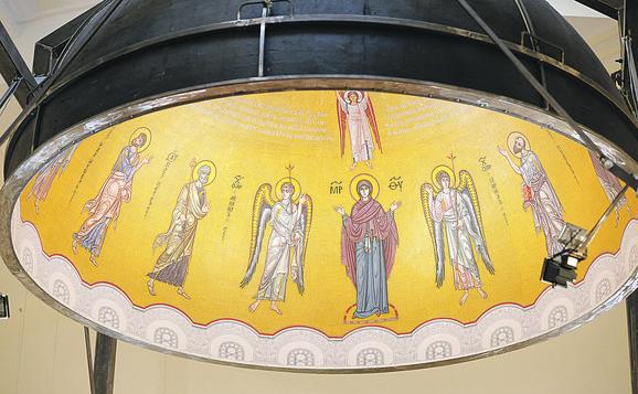 Mozaik za najveću kupolu Hrama Svetog Save, poklon ruske države srpskom narodu, radi najveći ruski umetnik Nikolaj Muhin