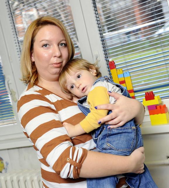 Godinu dana nisam znala da moj sin Jakša ima teško oštećenje sluha, kaže majka Gordana iz Valjeva