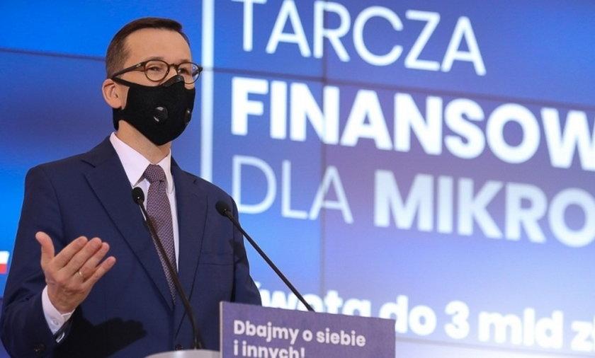 Premier Mateusz Morawiecki stał siętwarząmocno kojarzoną z ograniczeniami
