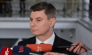 PO o opłacie emisyjnej od paliw: PiS funduje Polakom program 'drożyzna plus'