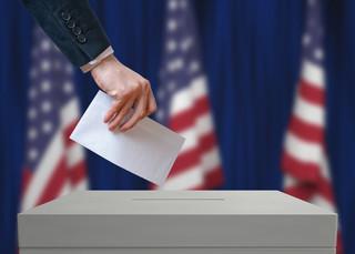 Pierwsze stany zagłosowały. Trump-Clinton 19:3 w głosach elektorskich