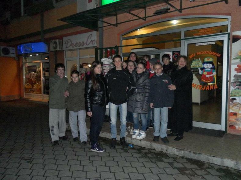 Zorica Kapša sa učenicima