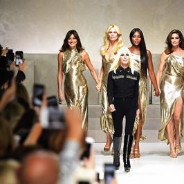 Claudia Schiffer, Naomi Campbell i inne legendarne modelki na wspólnym wybiegu. To prawdziwa uczta dla fanów mody!