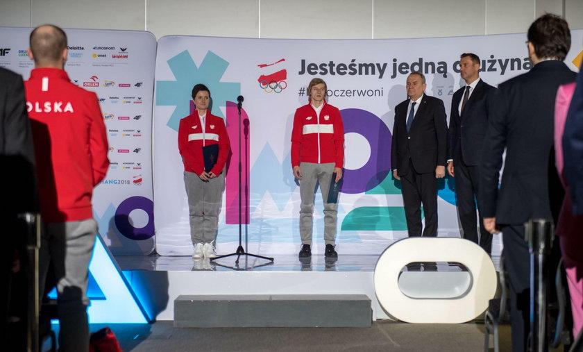 Igrzyska Olimpijskie. Slubowanie skoczkow narciarskich i lyzwiarzy figurowych. 05.02.2018